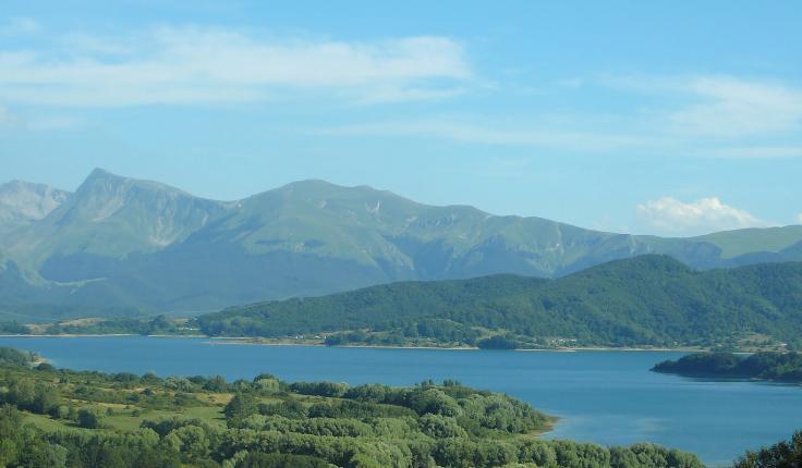 lago_di_Campotosto_Abruzzo_-_Google_Maps